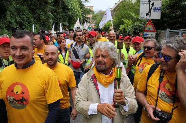 Seconda marcia per il reddito di cittadinanza del M5s da...